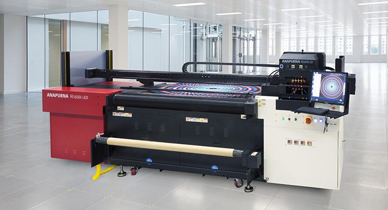 A impressora AGFA Anapurna LED é um equipamento de construção robusta (1.020kg), com modernas cabeças de impressão